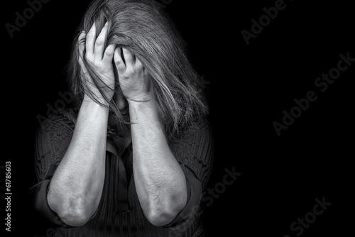 Leinwanddruck Bild Young woman crying depression violence