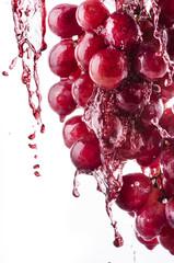 uva rossa splashing