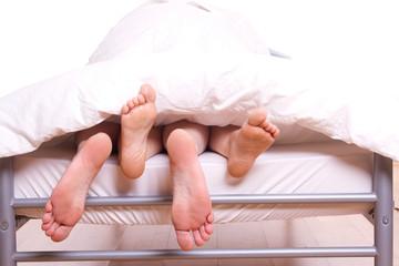 füßeln im Bett