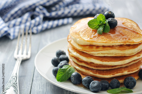 Foto op Aluminium Dessert Pancakes with fresh berries