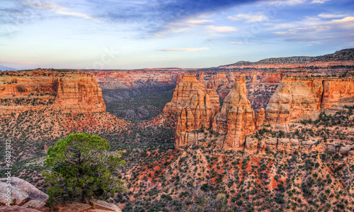 Fotobehang Canyon Colorado National Monument Scenic Landscape at Dusk