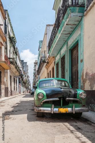 Havana old school car - 61822621
