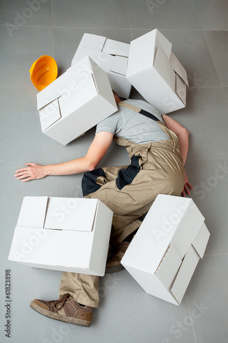 Handyman crushed by cartons