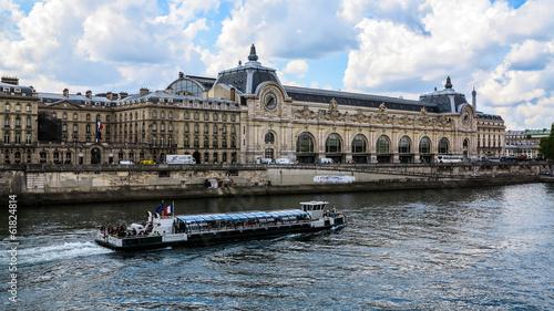 Leinwanddruck Bild Orsay Museum and the Seine