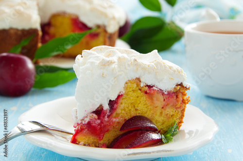 Plum cake with meringue.