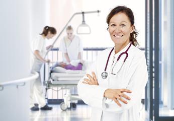 Ärztin Flur Pflegeteam