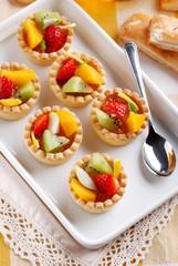 pasticcini di pasta frolla alla frutta