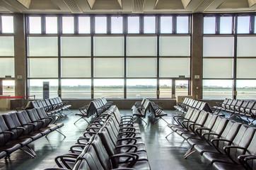 空港の搭乗ゲート 待合室