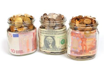 Банки с деньгами, рубли, доллары, евро