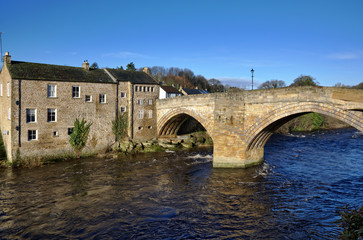 Stone bridge and building in Barnard Castle