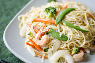 Chow mein noodle