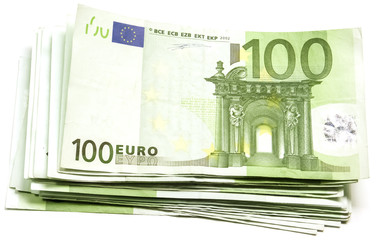 liasse de billets de 100 euros