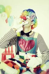 Clown mit Luftschlange