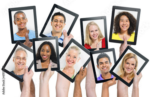 Social Networking Portraits on Digital Tablets