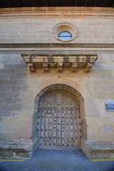 Puerta principal iglesia romanica de Elvillar (Alava)