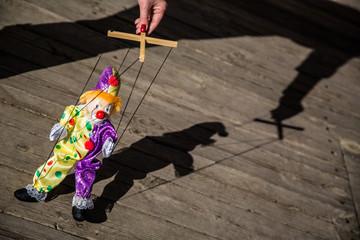 Puppet puppeteer