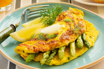 Omelette with asparagus.