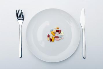 Tablettenmix auf Teller