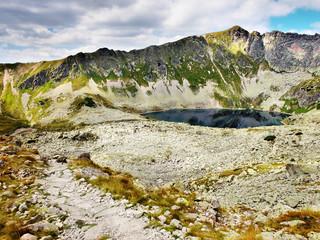 Szlak górski w Dolinie Pięciu Stawów