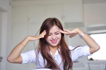 woman with headache