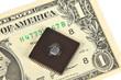 Купюра 1 доллар и электронная микросхема