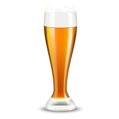 бокал пива на белом фоне