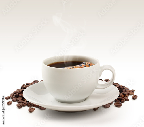 Keuken foto achterwand Cafe Coffee cup and beans on a white background (clipping path).