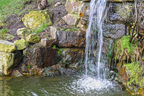 Tuinposter Bos rivier Mini Waterfall