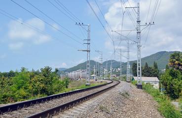 Поворот железнодорожного пути к мосту