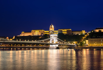 Danube river, Chain Bridge and Royal Palace