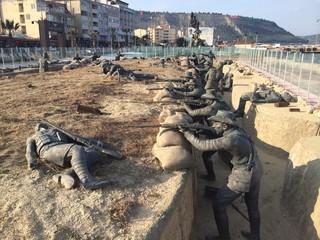 Çanakkale Savaşında  Bomba Sırtındaki  Anzak  Sperleri