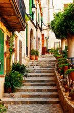 Rue dans le village de Valldemossa à Majorque