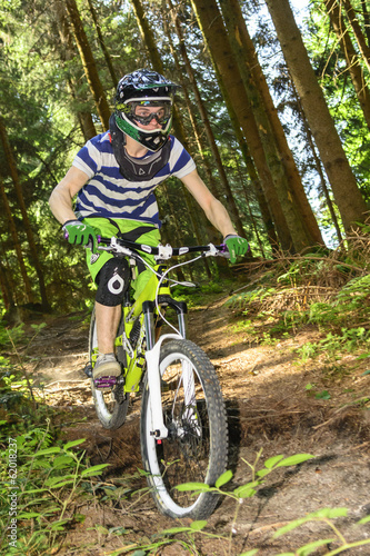canvas print picture Downhill im Wald