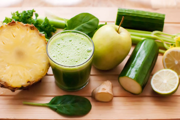 healthy green detox juice