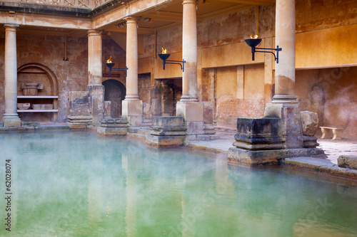 Fotobehang Noord Europa Main Pool in the Roman Baths in Bath, UK