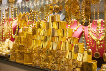 gold market stand