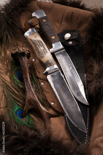 Hunting knive's on dark background - group objects - 62031259