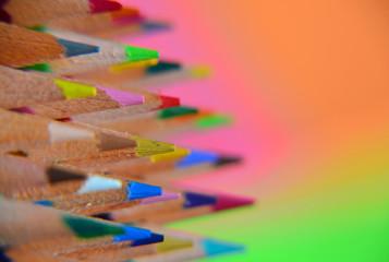 mines de crayons de couleur