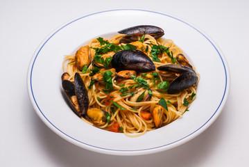 Spaghetti allo scoglio, cucina italiana