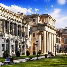 Vue extérieure du Musée du Prado à Madrid, Espagne.