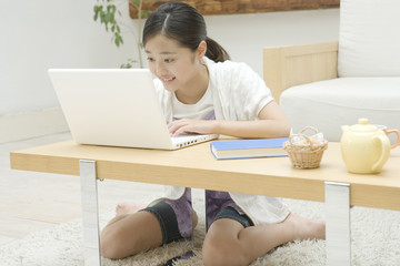 girl using PC