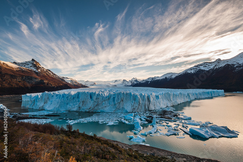 In de dag Gletsjers Perito Moreno Glacier in the autumn afternoon, Argentina.