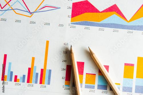 グラフと鉛筆