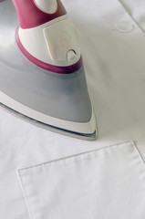 Steam iron in pink