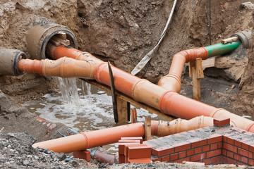 Nach dem Regen - Baugrube läuft voll Wasser