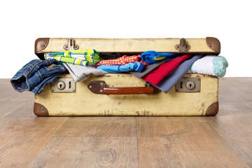 Übergepäck - Überfüllter Koffer