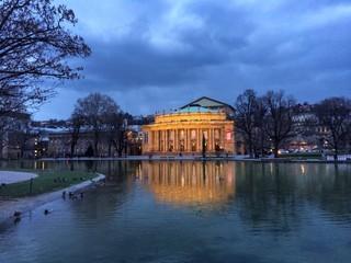 Staatstheater in Stuttgart am Abenf