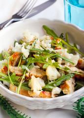 Rocket, cauliflower and chicken salad