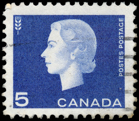 CANADA - CIRCA 1962: A stamp printed in Canada shows Queen Eliza