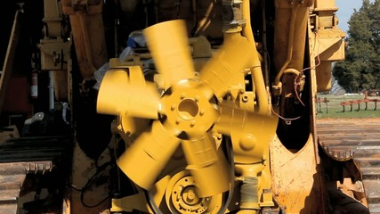 Diesel Engine Fan Blade Spinning Loose
